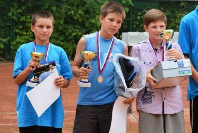 Спонсировали соревнования «Детского теннисного центра имени Тычкова»